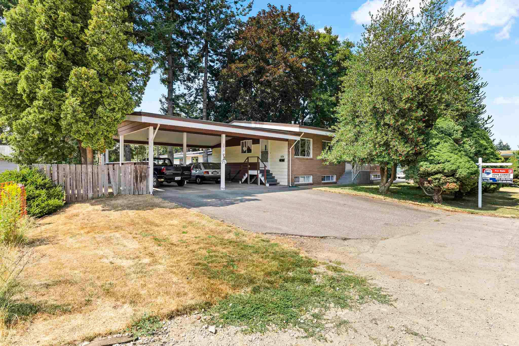 Main Photo: 2415 ADELAIDE Street in Abbotsford: Abbotsford West House for sale : MLS®# R2606943