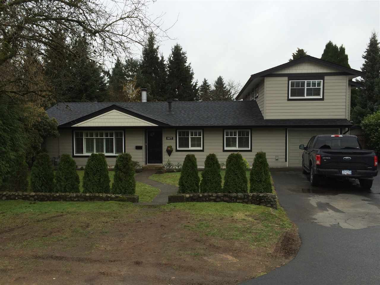 """Main Photo: 1377 COTTONWOOD Crescent in North Vancouver: Norgate House for sale in """"NORGATE"""" : MLS®# R2034774"""