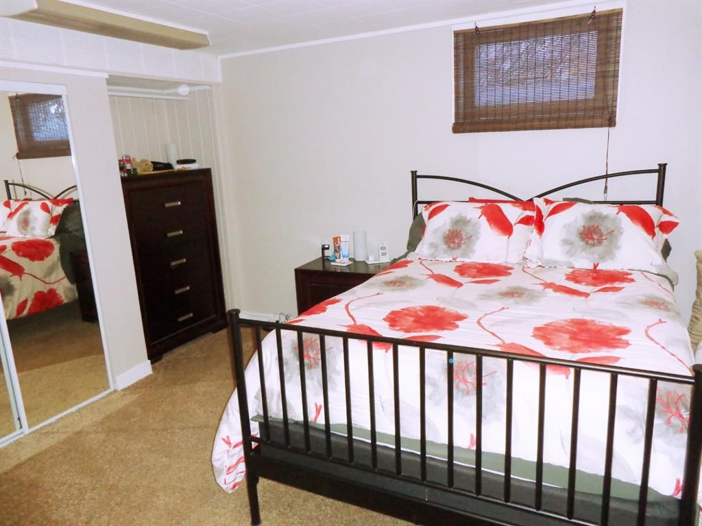 Photo 25: Photos: 5856 West Park Crescent in Red Deer: West Park Residential for sale : MLS®# A1067266