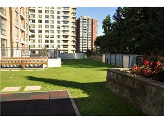 """Photo 12: 702 7225 ACORN Avenue in Burnaby: Highgate Condo for sale in """"AXIS"""" (Burnaby South)  : MLS®# V1087439"""