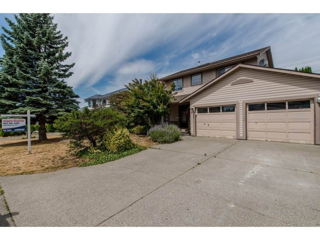Main Photo: 35023 CASSIAR Avenue in Abbotsford: Abbotsford East House for sale : MLS®# R2191358