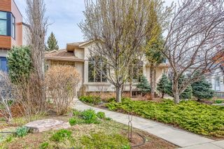 Photo 2: 628 24 Avenue NW in Calgary: Mount Pleasant Semi Detached for sale : MLS®# A1099883