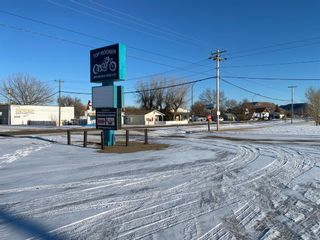 Photo 3: 11 2 Avenue: Drumheller Business for sale : MLS®# A1077470