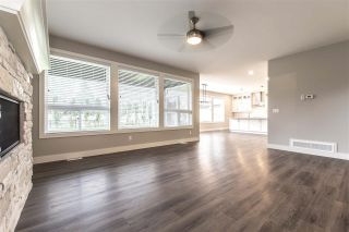 """Photo 6: 52764 STONEWOOD Place in Rosedale: Rosedale Popkum House for sale in """"Stonewood"""" : MLS®# R2383488"""