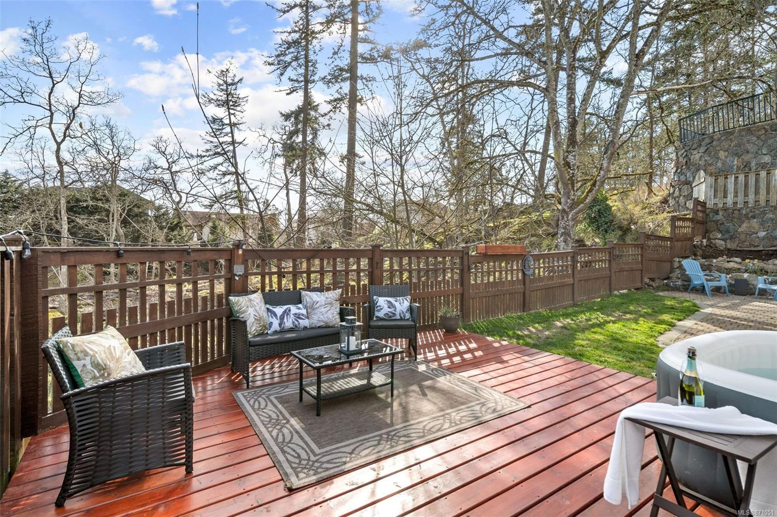 Photo 28: Photos: 521 Selwyn Oaks Pl in : La Mill Hill House for sale (Langford)  : MLS®# 871051