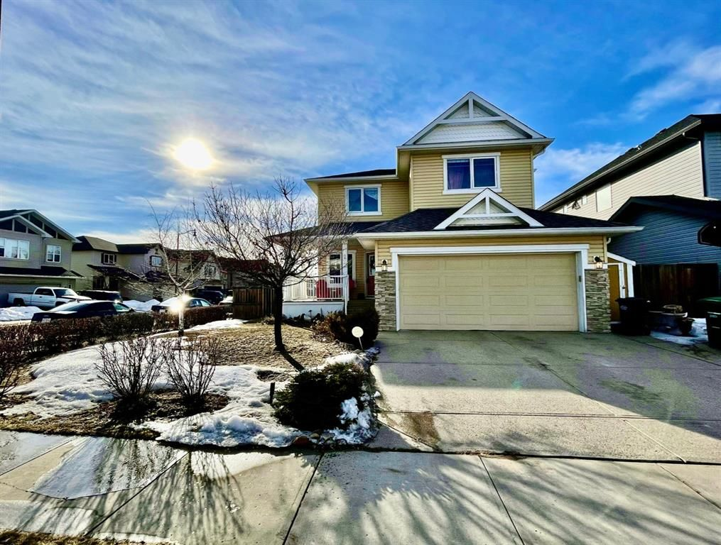 Main Photo: 123 Drake Landing Common: Okotoks Detached for sale : MLS®# A1074912