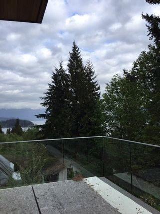 Photo 4: 167 PIKE Road in Gibsons: Gibsons & Area House for sale (Sunshine Coast)  : MLS®# R2380143