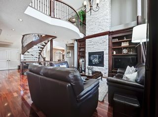 Photo 10: 18 Coulee View SW in Calgary: Cougar Ridge Detached for sale : MLS®# A1145614