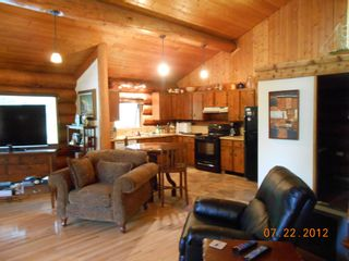 Photo 10: 7635 Mountain Drive in Anglemont: North Shuswap House for sale (Shuswap)  : MLS®# 10051750