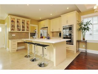 """Photo 3: 3293 E 18TH Avenue in Vancouver: Renfrew Heights House for sale in """"RENFREW HEIGHTS"""" (Vancouver East)  : MLS®# V973611"""