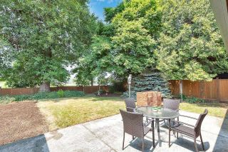"""Photo 25: 6235 171 Street in Surrey: Cloverdale BC House for sale in """"WEST CLOVERDALE"""" (Cloverdale)  : MLS®# R2598284"""