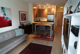 Photo 5: 502 135 W 2ND Street in North Vancouver: Lower Lonsdale Condo for sale : MLS®# R2180749