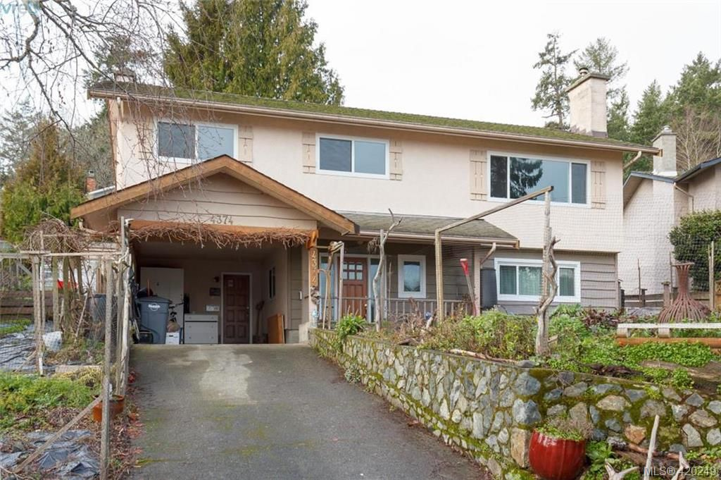 Main Photo: 4374 Elnido Cres in VICTORIA: SE Mt Doug House for sale (Saanich East)  : MLS®# 831755