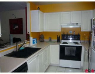 """Photo 1: 213 9763 140TH Street in Surrey: Whalley Condo for sale in """"Fraser Gate"""" (North Surrey)  : MLS®# F2900181"""