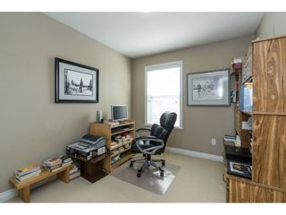 """Photo 10: 7033 179A Street in Surrey: Cloverdale BC Condo for sale in """"Provinceton"""" (Cloverdale)  : MLS®# R2392761"""