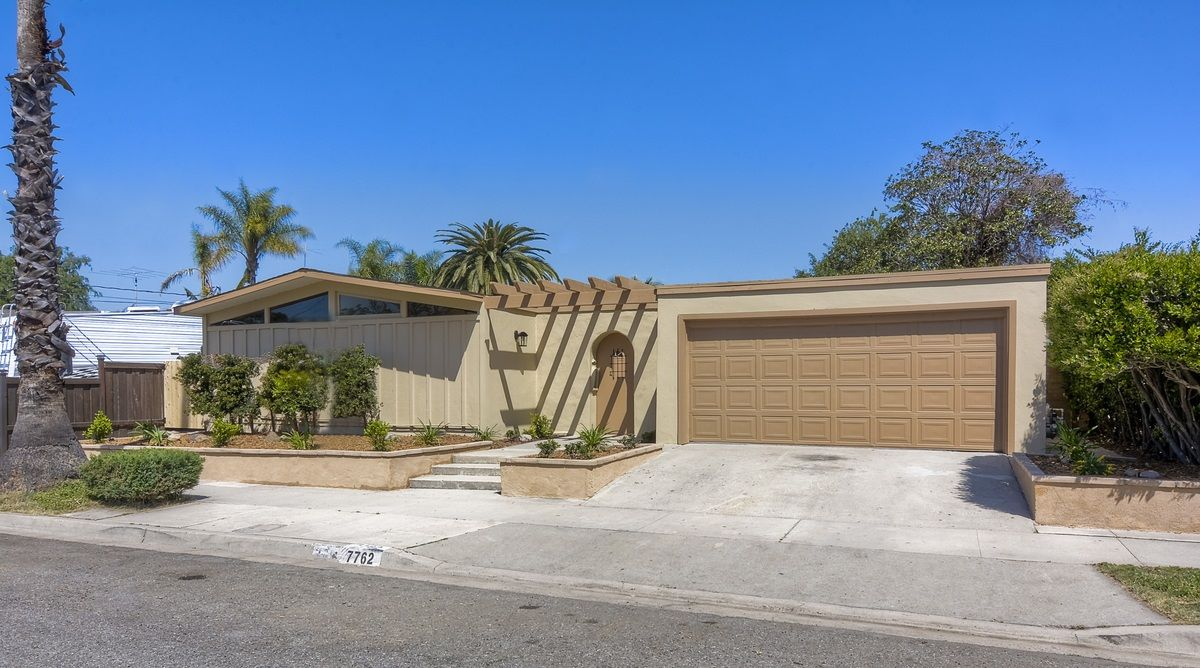 Main Photo: SAN CARLOS House for sale : 4 bedrooms : 7762 Topaz Lake in San Diego