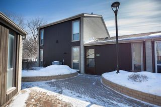 Photo 2: 180 1 Snow Street in Winnipeg: University Heights Condominium for sale (1K)  : MLS®# 202005268