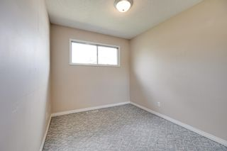 Photo 11: 5208 90 Avenue in Edmonton: Zone 18 House for sale : MLS®# E4247858