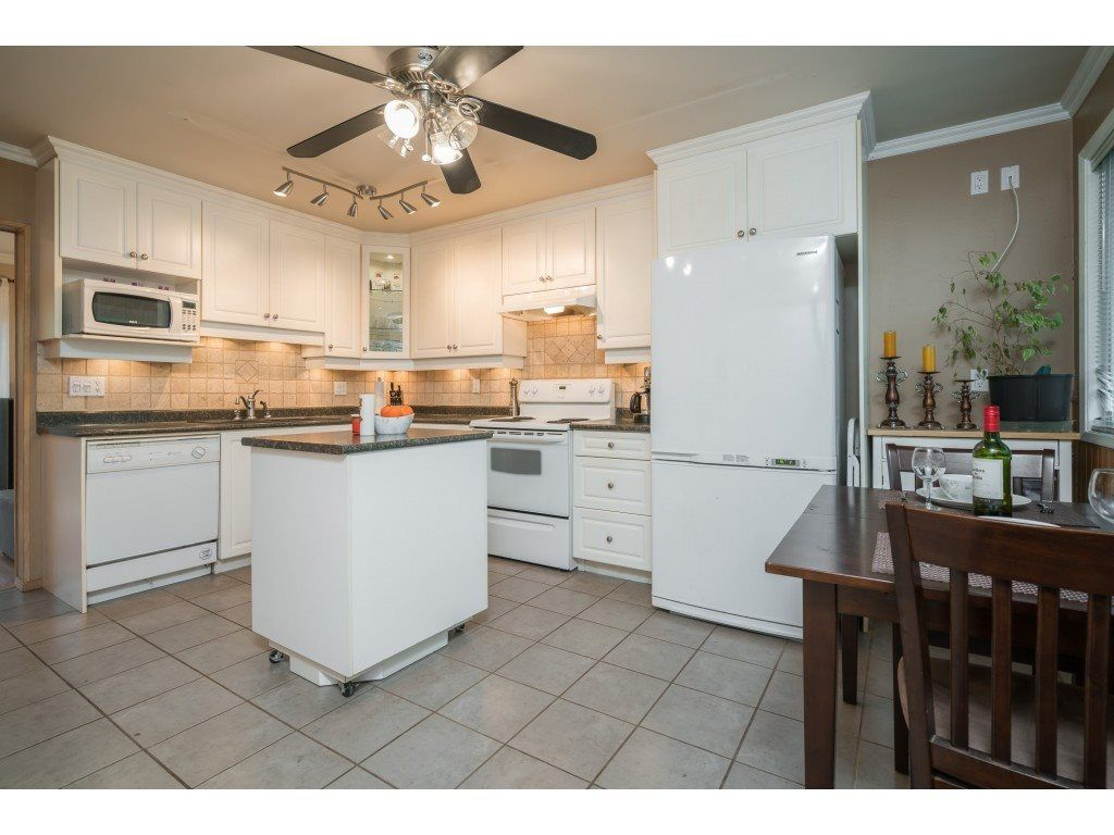 Photo 2: Photos: 8938 GANYMEDE PLACE in Burnaby: Simon Fraser Hills Townhouse for sale (Burnaby North)  : MLS®# R2416310