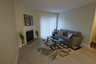 """Photo 6: 14821 HOLLY PARK Lane in Surrey: Guildford Townhouse for sale in """"HOLLY PARK LANE"""" (North Surrey)  : MLS®# R2226961"""
