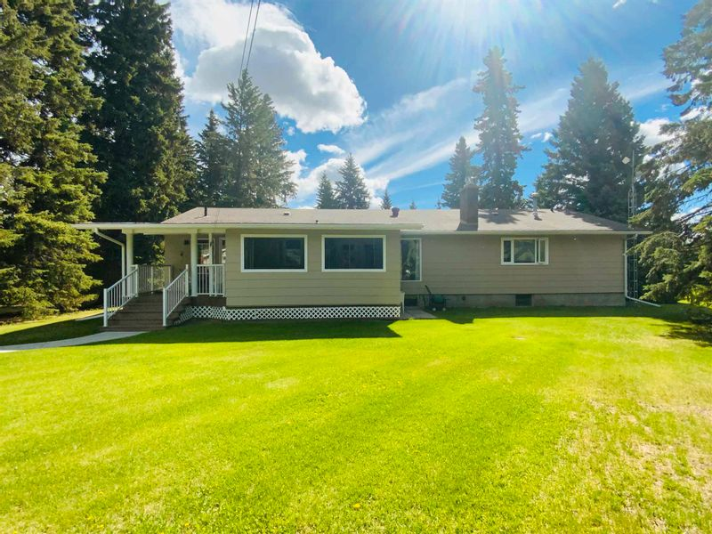 FEATURED LISTING: 471028 RGE RD 241 Rural Wetaskiwin County