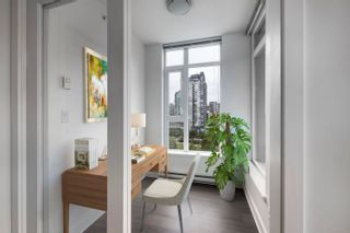 """Photo 8: 1302 1133 HOMER Street in Vancouver: Yaletown Condo for sale in """"H&H"""" (Vancouver West)  : MLS®# R2618125"""