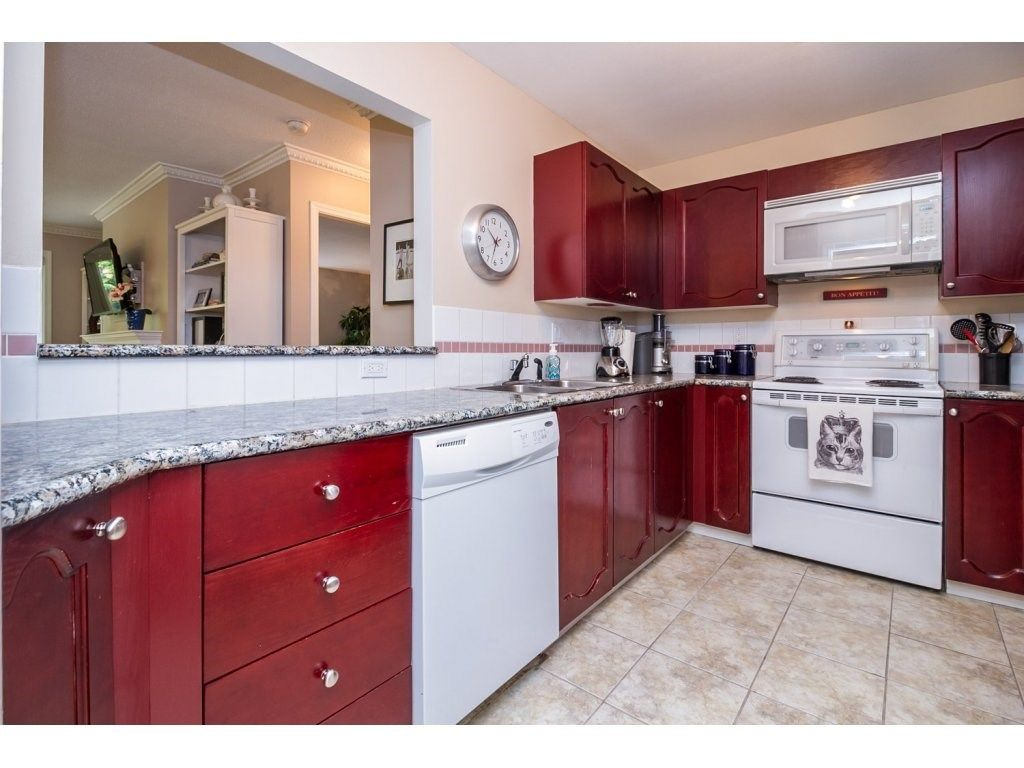 "Photo 8: Photos: 203 10720 138 Street in Surrey: Whalley Condo for sale in ""VISTA RIDGE"" (North Surrey)  : MLS®# R2091617"