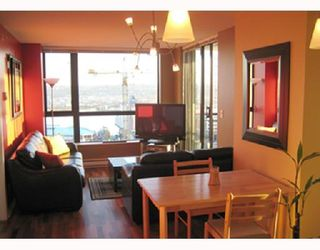 Photo 2: 1107 813 AGNES Street in New_Westminster: Downtown NW Condo for sale (New Westminster)  : MLS®# V768425
