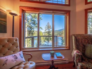 """Photo 19: 13702 CAMP BURLEY Road in Garden Bay: Pender Harbour Egmont House for sale in """"Mixal Lake"""" (Sunshine Coast)  : MLS®# R2485235"""