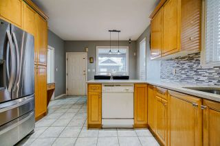 Photo 10: 7905 127 Street in Surrey: West Newton House for sale : MLS®# R2436248