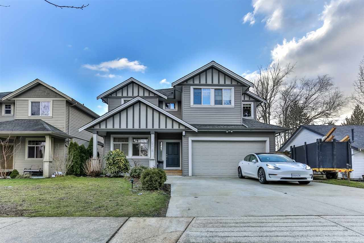 Main Photo: 19318 PARK Road in Pitt Meadows: Mid Meadows House for sale : MLS®# R2543316