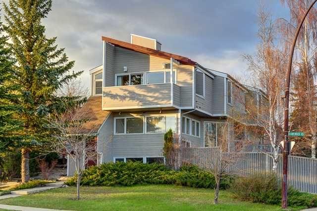 Main Photo: 68 HAWKWOOD Road NW in CALGARY: Hawkwood Residential Detached Single Family for sale (Calgary)  : MLS®# C3615643