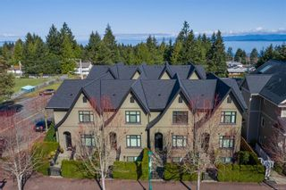 Photo 1: 3 237 Second Ave in : PQ Qualicum Beach Row/Townhouse for sale (Parksville/Qualicum)  : MLS®# 870685