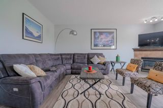 Photo 5: 70 Everhollow Green SW in Calgary: Evergreen Detached for sale : MLS®# A1131033