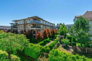 Photo 19: 305 15338 18 AVENUE in Surrey: King George Corridor Condo for sale (South Surrey White Rock)  : MLS®# R2288918
