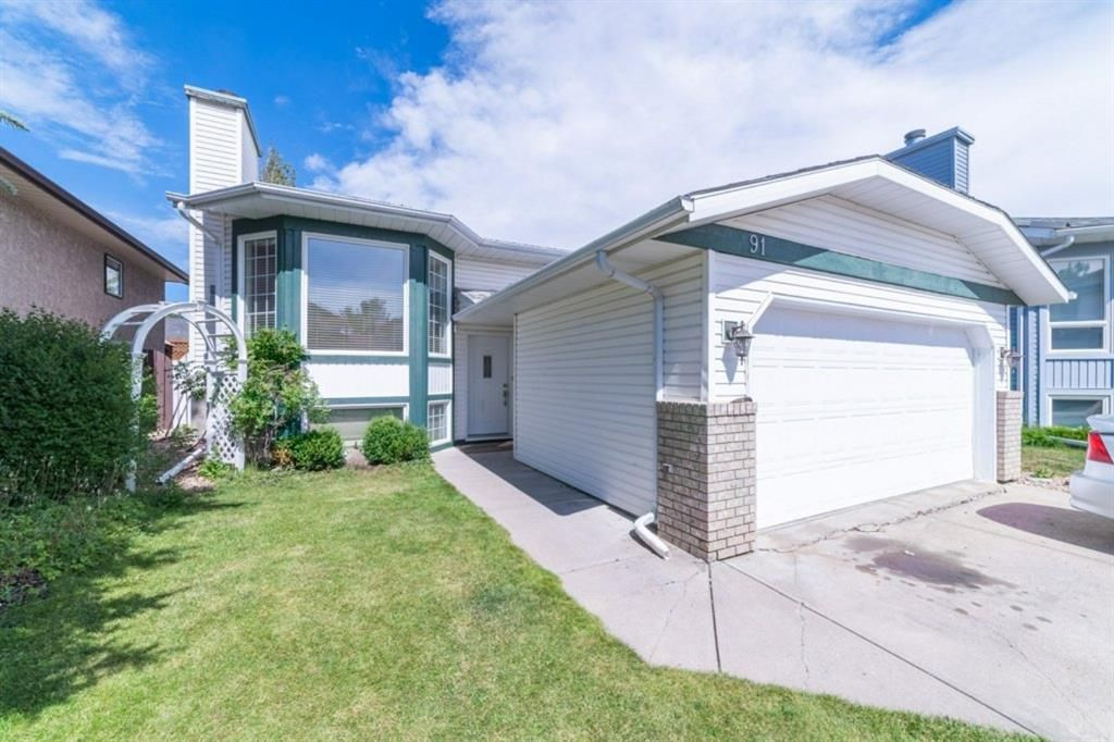 Main Photo: 91 MCKERRELL Close SE in Calgary: McKenzie Lake Detached for sale : MLS®# A1032538