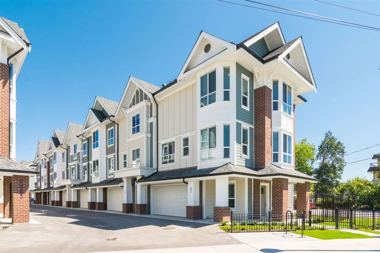 Main Photo: 11 20723 FRASER Highway in Langley: Langley City Townhouse for sale : MLS®# R2377585