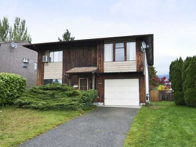 """Main Photo: 3175 SECHELT Drive in Coquitlam: New Horizons House for sale in """"NEW HORIZONS"""" : MLS®# V919743"""