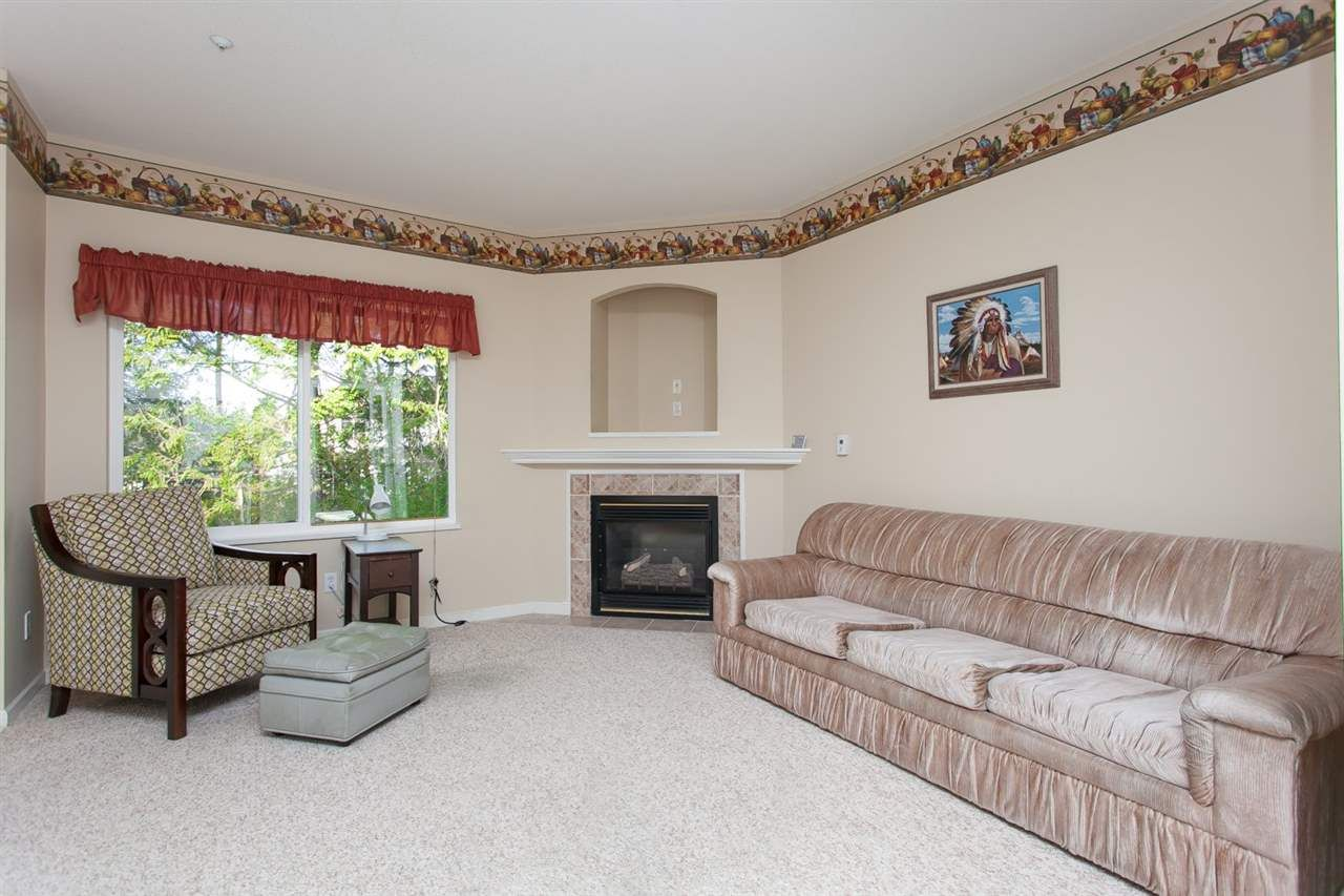 """Photo 9: Photos: 2 9025 216 Street in Langley: Walnut Grove Townhouse for sale in """"Coventry Woods"""" : MLS®# R2023148"""