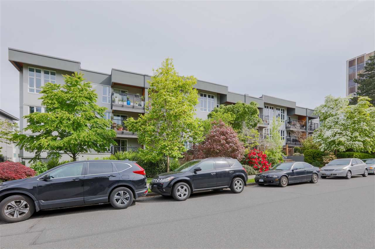 """Main Photo: 207 1551 W 11TH Avenue in Vancouver: Fairview VW Condo for sale in """"LABURNUM HEIGHTS"""" (Vancouver West)  : MLS®# R2594194"""