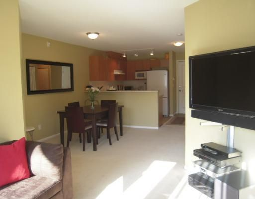 """Main Photo: 366 1100 E 29TH Street in North Vancouver: Lynn Valley Condo for sale in """"HIGHGATE"""" : MLS®# V790179"""