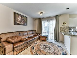 """Photo 8: 162 15501 89A Avenue in Surrey: Fleetwood Tynehead Townhouse for sale in """"AVONDALE"""" : MLS®# R2058419"""