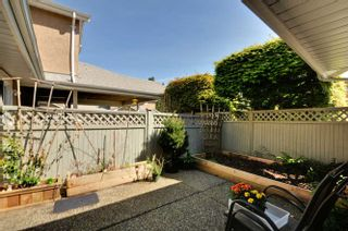 Photo 18: 10 9540 PRINCE CHARLES Boulevard in Surrey: Queen Mary Park Surrey Townhouse for sale : MLS®# R2162922
