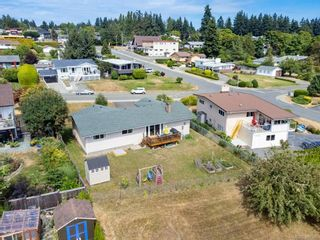 Photo 38: 2045 Beaufort Ave in : CV Comox (Town of) House for sale (Comox Valley)  : MLS®# 884580