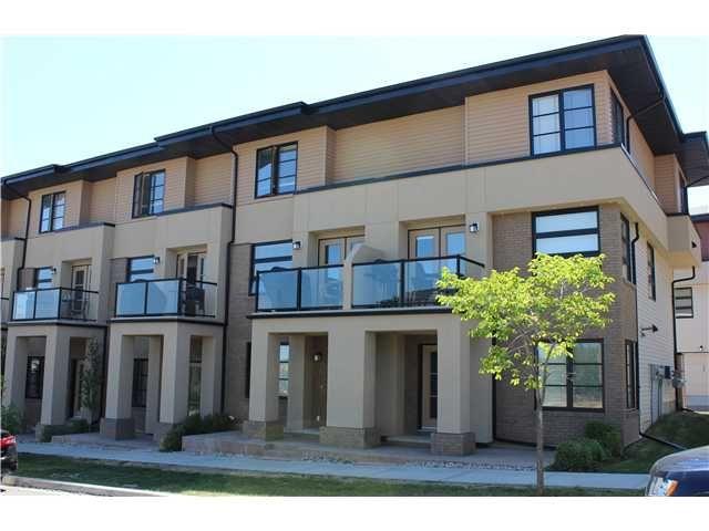 Main Photo: 11 ASPEN HILLS Green SW in CALGARY: Aspen Woods Townhouse for sale (Calgary)  : MLS®# C3629081