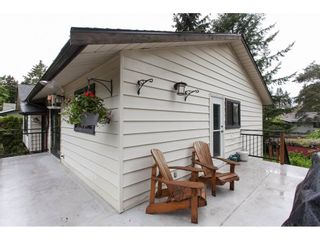 """Photo 2: 12659 25TH Avenue in Surrey: Crescent Bch Ocean Pk. House for sale in """"CRESCENT HEIGHTS"""" (South Surrey White Rock)  : MLS®# R2164824"""