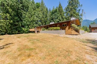Photo 3: 13796 STAVE LAKE Road in Mission: Durieu House for sale : MLS®# R2602703