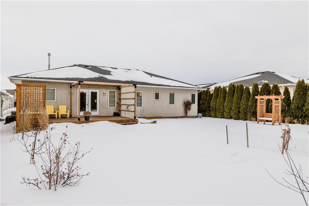 Photo 28: Photos: 6 AVONDALE Crescent in Steinbach: R16 Residential for sale : MLS®# 202100399