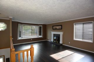 """Photo 4: 1488 WILLOW Street: Telkwa House for sale in """"Woodland Park"""" (Smithers And Area (Zone 54))  : MLS®# R2604473"""