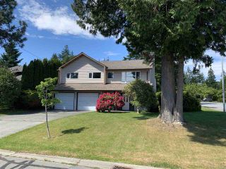 "Photo 1: 13257 15 Avenue in Surrey: Crescent Bch Ocean Pk. House for sale in ""Ocean Park"" (South Surrey White Rock)  : MLS®# R2373689"